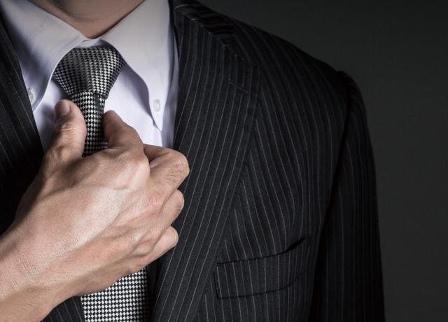 年の差カップル、女性が10歳以上の年齢、ダブル不倫の相手は職場の上司